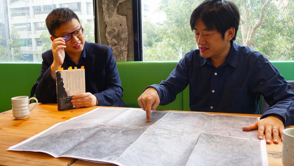 歷史作家廖彥博(左)與朱和之。(吳致良攝)