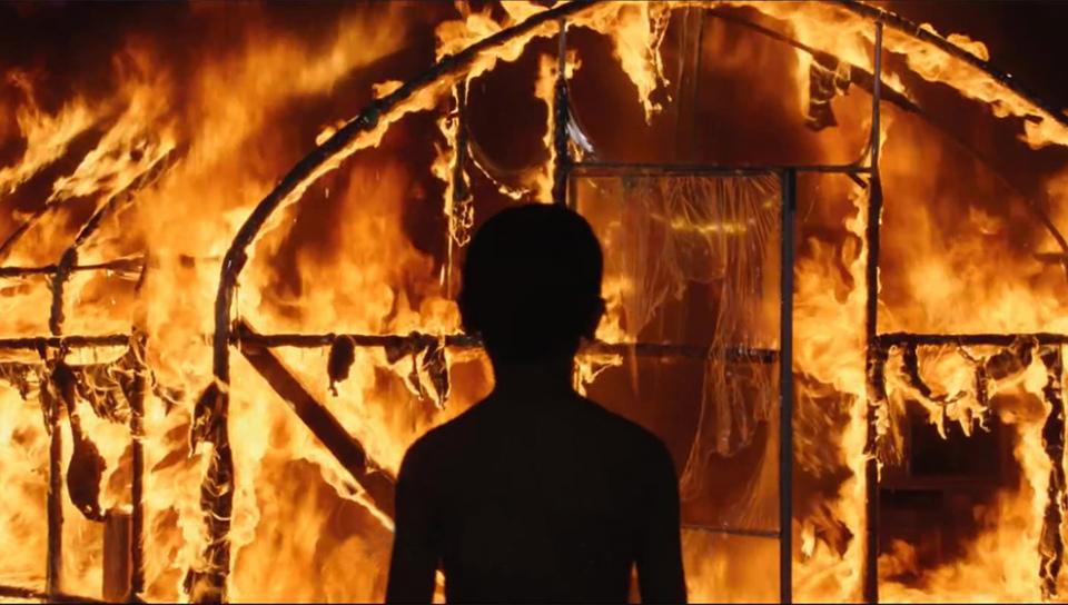 電影《燃燒烈愛》改編自村上春樹短篇小說〈燒掉柴房〉(擷自youtube)