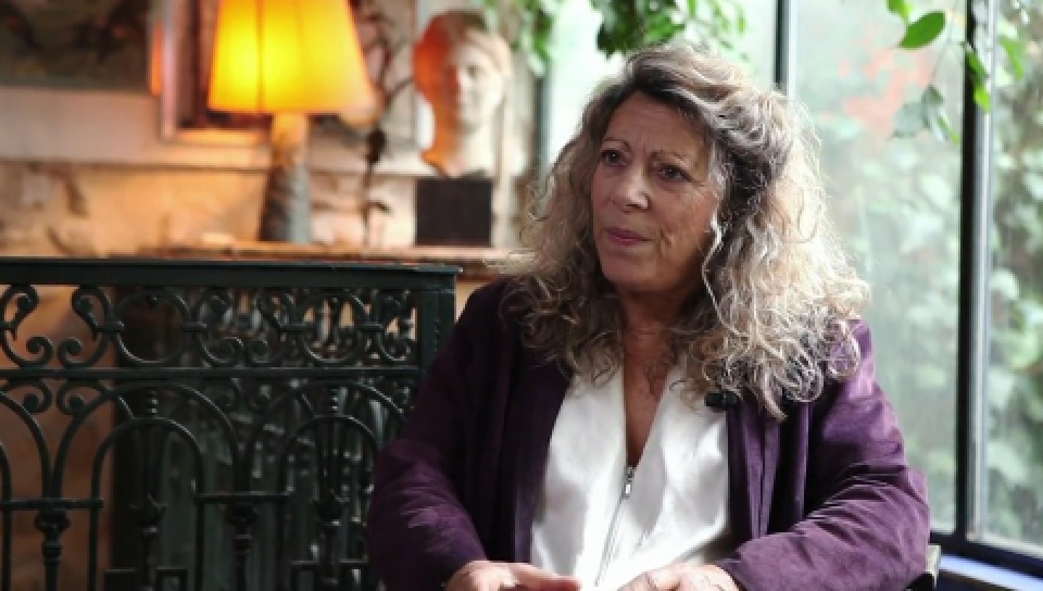 法國哲學家芭芭哈.卡桑(擷自youtube)