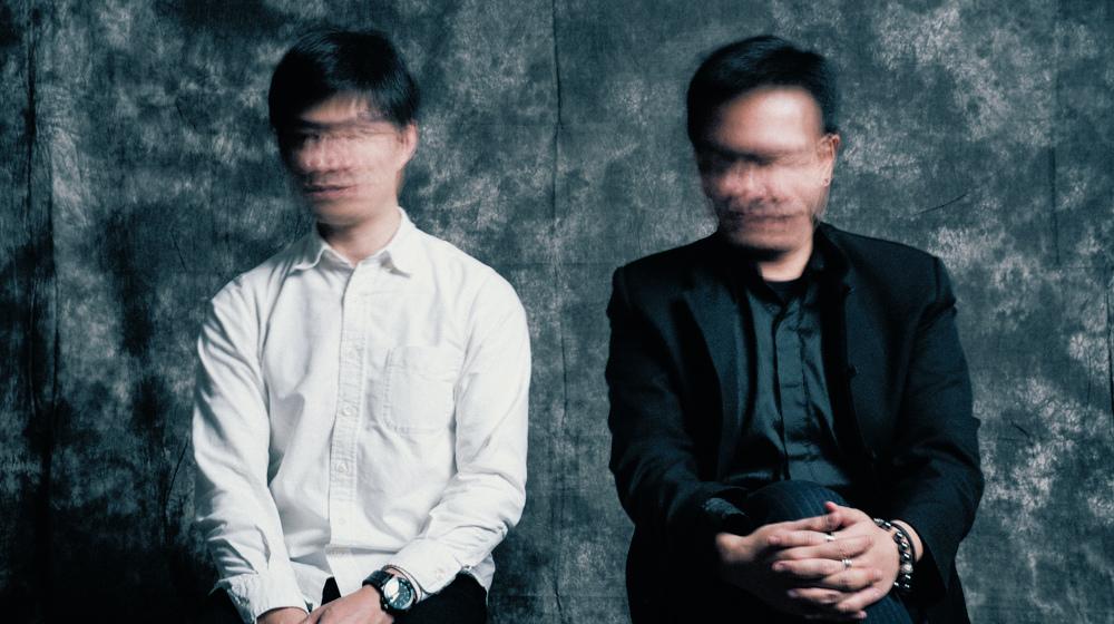 右起《厭世代》作者吳承紘、《再寫韓國》作者陳慶德