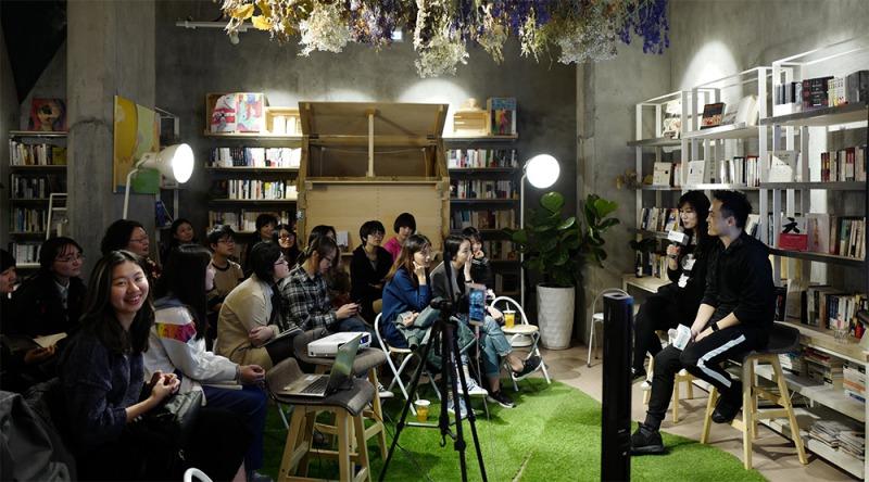 中國暢銷作家劉同(右)來台舉行專題講座。(悅知文化提供)