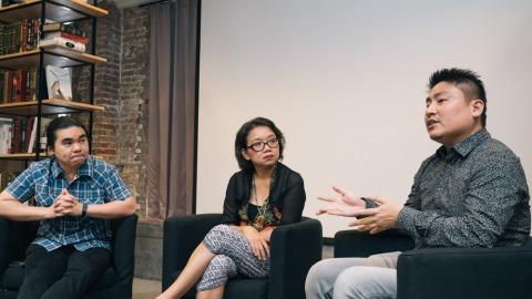 右起:新加坡譯者李耀龍(Lee Yew Leong)、印尼譯者Chi Chi Bernardus、泰國譯者王道明(Anurak Kitpaiboonthawee)