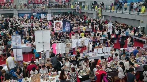 每年於台大體育館舉行的CWT台灣同人誌販售會(田虫石提供)