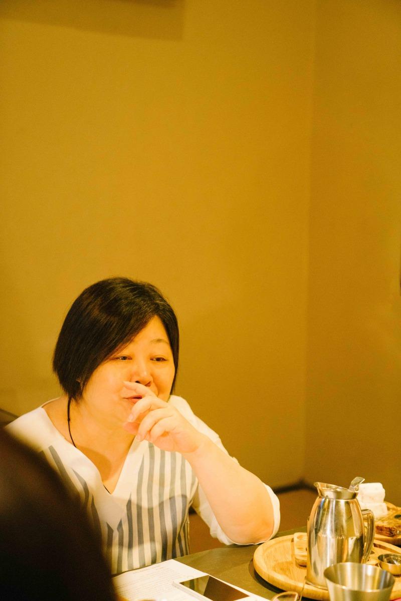 li_ya_nan_she_ying_qing_da_bei_3.jpg