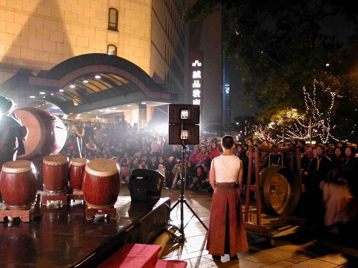 zhu_fu_ming_ti_gong_dun_nan_dian_si_.jpg